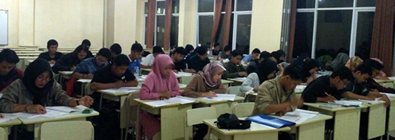 177 Mahasiswa UNIDA Lampaui Tes TOEFL