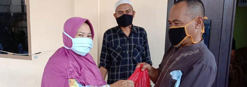 Peduli Warga Terdampak COVID-19, YPSPIAI dan UNIDA Bogor  Bagikan Ratusan Paket Sembako
