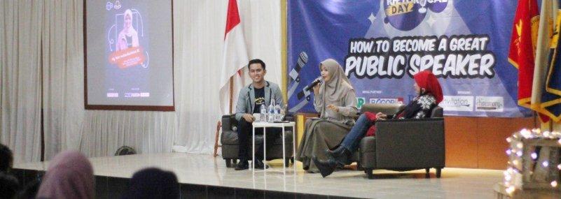 Selenggarakan Rethorical Day, Mahasiswa Sains Komunikasi UNIDA dilatih Jago Public Speaking